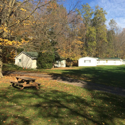 Five Oaks Group Cabin Rentals on the Grand River