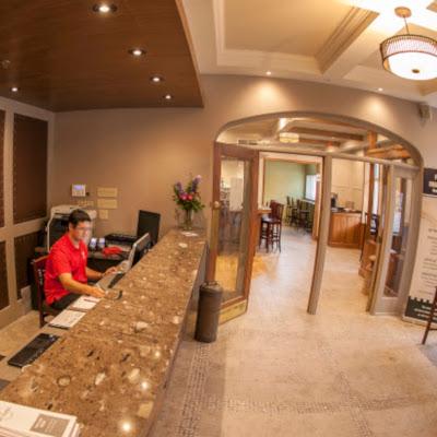Hotels in Paris Ontario Arlington Hotel Front desk
