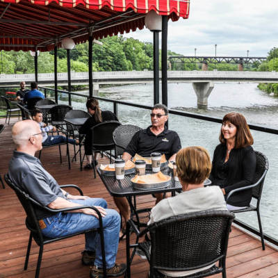 Restaurants in Paris Ontario on the Grand River like Midtown Kitchen & Coffee
